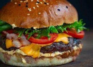 sandwich cu legume si carne