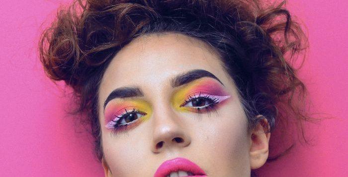 portret femeie makeup
