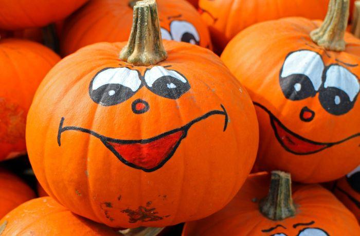Dovleci decorați de halloween