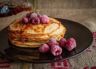 pancakes cu fructe