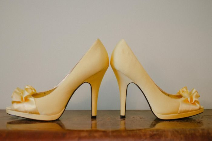 pantofi galbeni cu toc