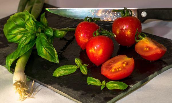 rosii si frunze de salata